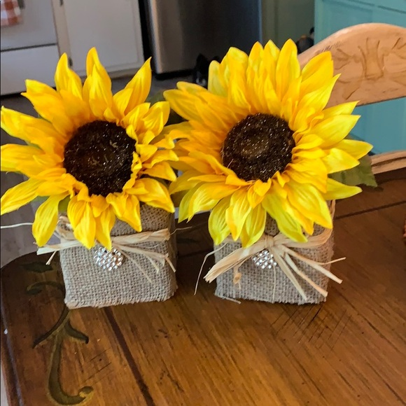 Other - Small Single Sunflower 🌻 Arrangement for Fall!!!